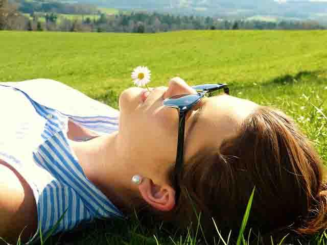 Macchie da sole, allergia solare, cheratosi: le protezioni solari altissime